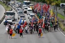 沖縄平和行進